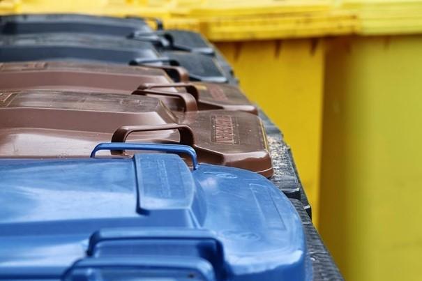 Až 73 procent vyhozeného směsného odpadu v Bílovci by lidé mohli dál třídit