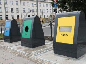 Jičín má další podzemní kontejnery na separovaný odpad za 1,2 mil.Kč