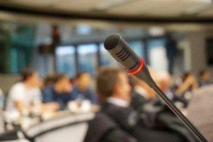 Realistické postoje k ochraně klimatu má představit konference v Senátu