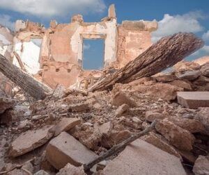 V obcích postižených tornádem zůstalo přibližně 210.000 tun odpadu