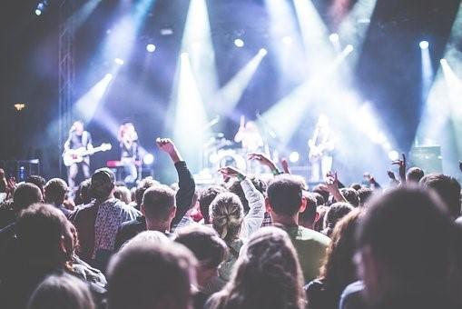 Vědci se pouští do výzkumu, který má přinést ekologický manuál pro festivaly