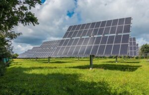 O podpoře obnovitelných zdrojů bude rozhodovat vláda, schválila Sněmovna